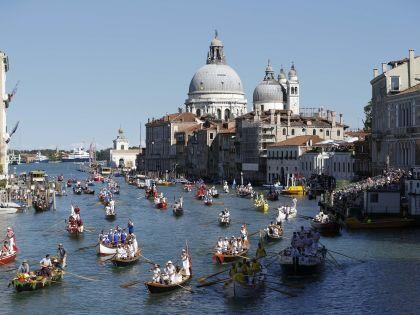 Венеция... Как это может кому-то не понравиться? Ну... фотография ведь не передаёт запахи! // Russian Look