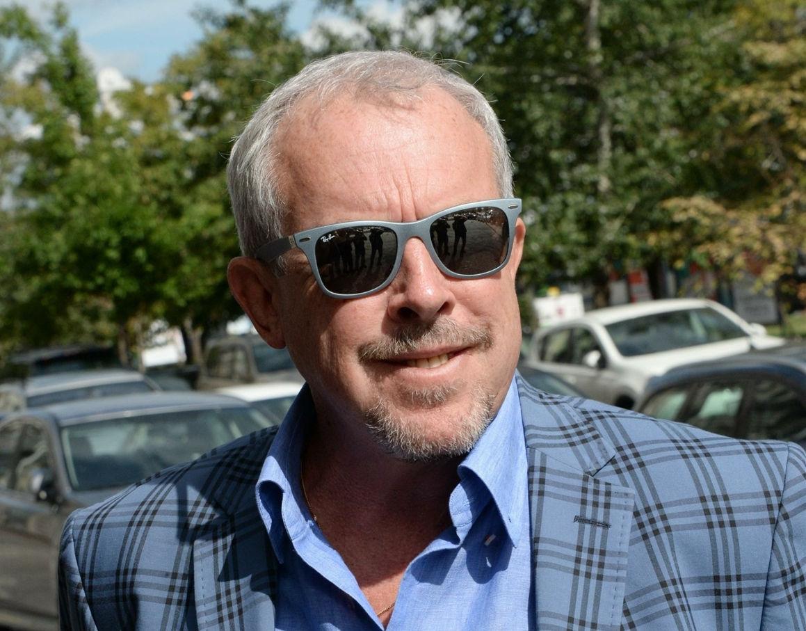 """""""Уехал из Москвы"""": Макаревич заявил, что ему не нужен парад Победы"""