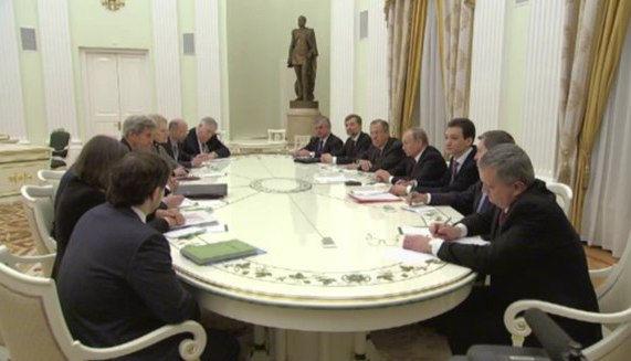 Встреча с Керри в Кремле // Стоп-кадр kremlin.ru