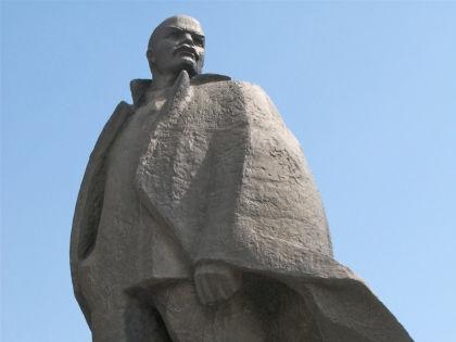 Оскверненный Ленин был в тот же день отмыт // Алексей Бойцов / Russian Look