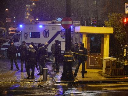 Смертница ворвалась в полицейский участок и привела в действие взрывное устройство // Global Look Press