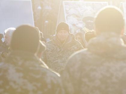 Пока в Минске пытаются договориться о мире, в Донбассе слышны канонады  // Global Look Press
