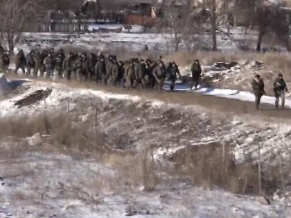 По сообщению ДНР, город покинул около тысячи военных // Кадр YouTube