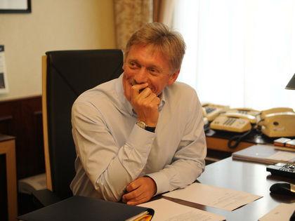 """Песков: """"Россия никогда не пойдет по пути ограничения права людей на получение информации из различных СМИ"""" // Global Look Press"""