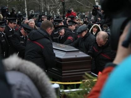 Бориса Немцова похоронили на Троекуровском кладбище // Александр Алешкин / Собеседник