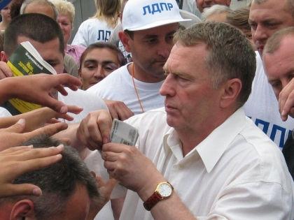 Депутаты не хотят, чтобы их ограничивали в приобретении роскоши за счет государственного бюджета // Андрей Кузьмин / Global Look Press