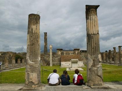 Туристы в Помпеях // Global Look Press