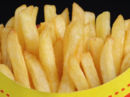 Легкий доступ к фастфуд-ресторанам отрицательно сказывается на прочности детских костей // Global Look Press
