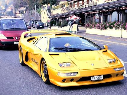 Странно ездить на Ferrari с водителем // Global Look Press