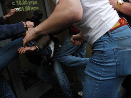 Рестораны предлагают наказывать за драки //  Global Look Press