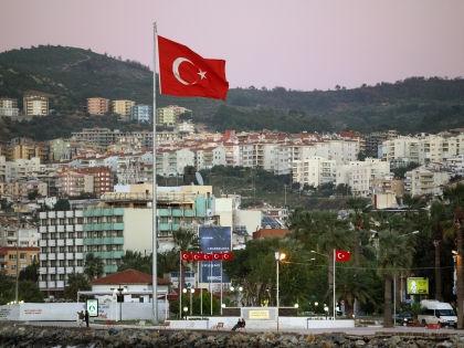 Конфликт с Россией можно серьезно ударить по турецкому рынку недвижимости // Global Look Press