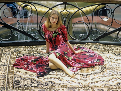 Сейчас ковры снова вошли в моду, но теперь ими устилают только пол // Global Look Press