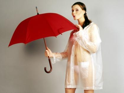 Зонт необходим каждому, тем более осенью, когда льют дожди // Global Look Press