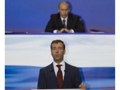 Дмитрий Медведев и Владимир Путин // Татьяна Балашова / Global Look Press