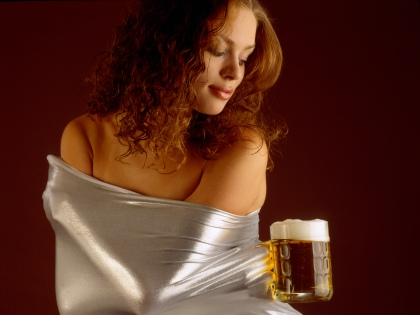 За один вечер пивоман выпивает больше, чем если бы напиток был крепким // Global Look Press