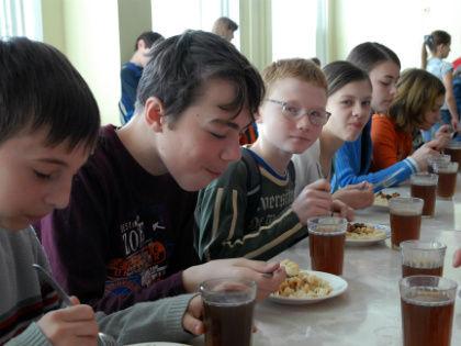 Помните о том, что перерывы между едой должны быть не более 4 часов // Global Look Press