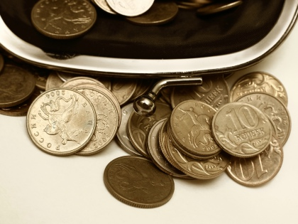 В рамках продовольственной помощи малоимущим правительство намеревается выделять по 10 тысяч рублей на человека. В год // Global Look Press