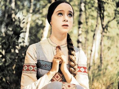 Наталия Седых в роли Настеньки в фильме «Морозко» // Global Look Press