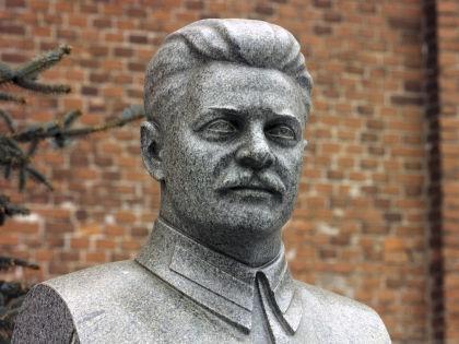 Памятник Сталину // Global Look Press