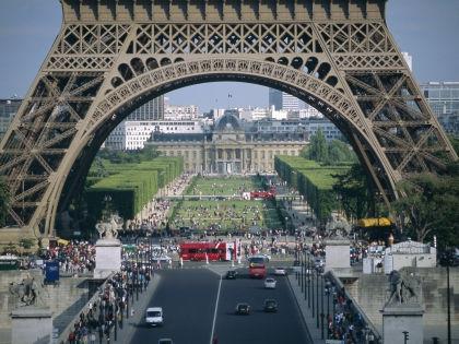 После событий в Париже американцам посоветовали не ездить во Францию // Global Look Press