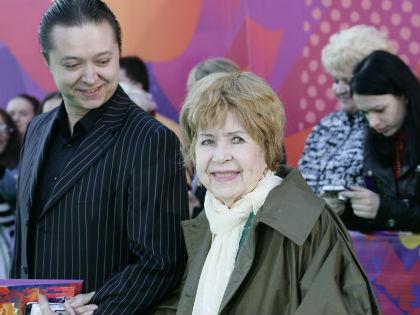 Инна Макарова с внуком Иваном Бурляевым // Global Look Press