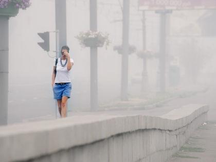 В 2010 году едкий туман мучил москвичей и жителей Подмосковья почти 2 месяца //