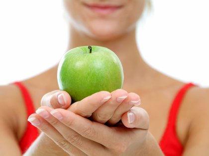 От защиты против катаракты до белых зубов: самые удивительные свойства яблок // imagebroker/Michaela Begsteiger / Global Look Press