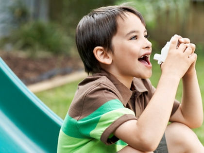 Из-за пестицидов у детей могут появиться проблемы с дыханием // Global Look Press