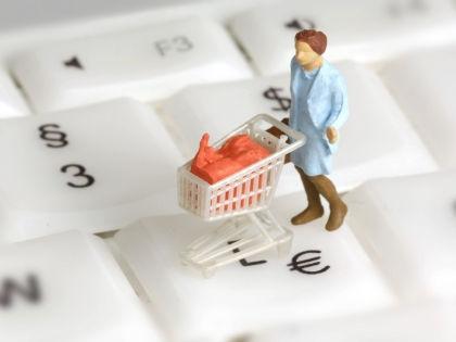 Существует несколько способов оплаты покупок через интернет // Global Look Press
