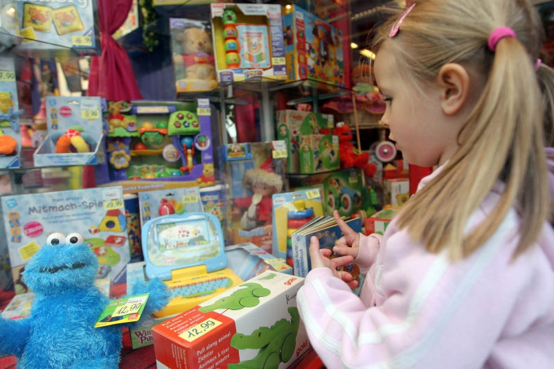 Астахов выступил против запрета на продажу игрушечных солдат СС // Global Look Press