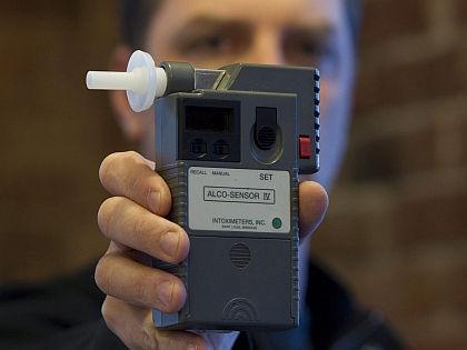 Тест на алкоголь в крови водителей // Global Look Press