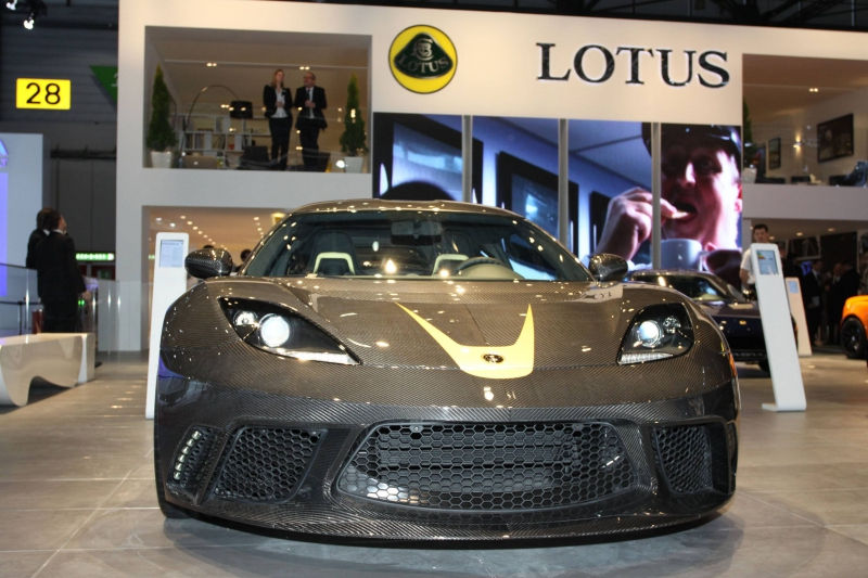 Lotus готов к битве с Porsche // Global Look Press