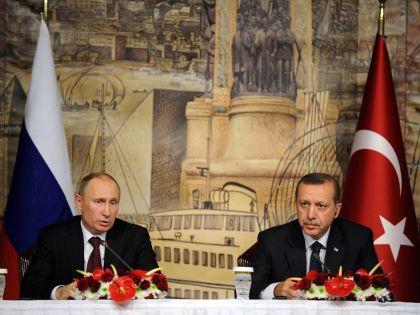Визит Эрдогана в Москву еще до сбития Су-24 прошёл, оказывается, сравнительно скромно // Global Look Press