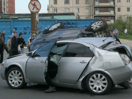 Отныне вместо выплаты денежных компенсаций автомобилистам будут обеспечивать ремонт машин // Global Look Press