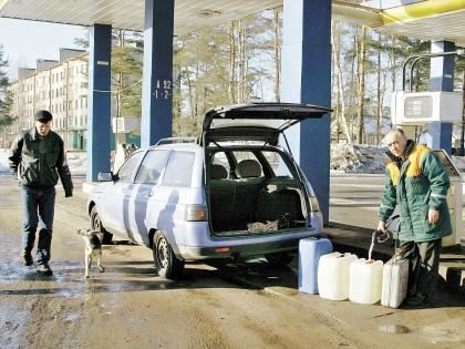 По прогнозам экспертов, бензин подорожает аж на 20–30% // Global Look Press