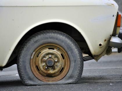 В Европе автомобилисты в среднем прокалывают колесо один раз за 80.000 км пробега, в США – один раз за 55.000, а в Азии – раз за 9500 км // Global Look Press