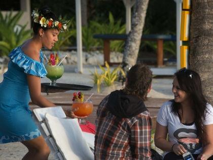 В исследовании туристы откровенно признались, за что им стыдно на отдыхе // Global Look Press