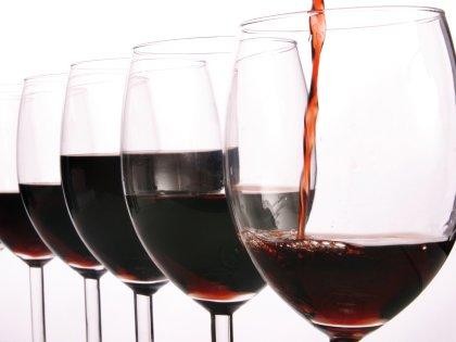 Более дорогие по стоимости вина воспринимаются мозгом более вкусными // Alfred Schauhuber / Global Look Press