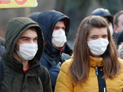 Вакцина не дает защиты от гриппа, а люди с хирургическими масками все равно заразны // Serg Glovny / Global Look Press
