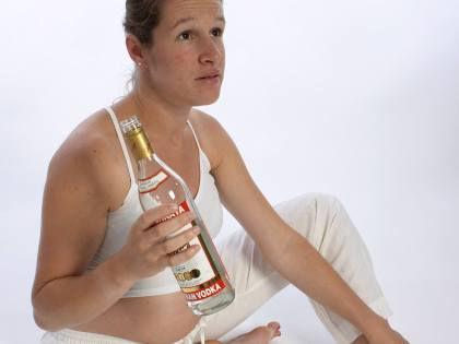 Ученые считают, что будущим мама вообще нельзя пить ни капли спиртного // McPHOTOs / Global Look Press