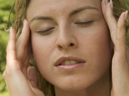 Мигрень – женского рода в прямом и переносном смысле. 12 процентов людей на земле страдают этим видом головных болей, и большинство из них – женщины // Global Look Press