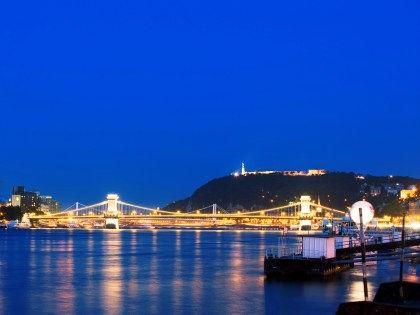 От руин-пабов до Центрального рынка — лучшие бесплатные достопримечательности Будапешта //  Hinze, K. / Global Look Press