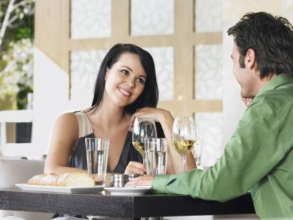 Доверьте мужчине покупку алкоголя // Global Look Press
