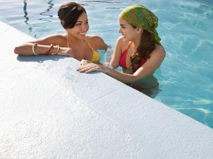 Вода в бассейнах содержит массу опасных для здоровья бактерий // David Oxberry / Global Look Press