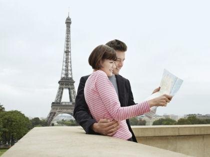 Туристы в Париже // Global Look Press