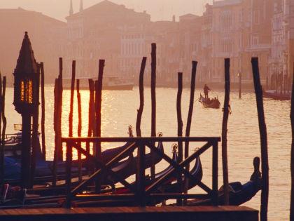 В Венеции нельзя кормить птиц и передвигаться на велосипедах // Robert Harding / Global Look Press