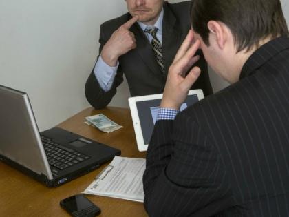 Предпринимателям надо лишь активировать программу и пользоваться ею во время электронных аукционов по госзакупкам // Global Look Press