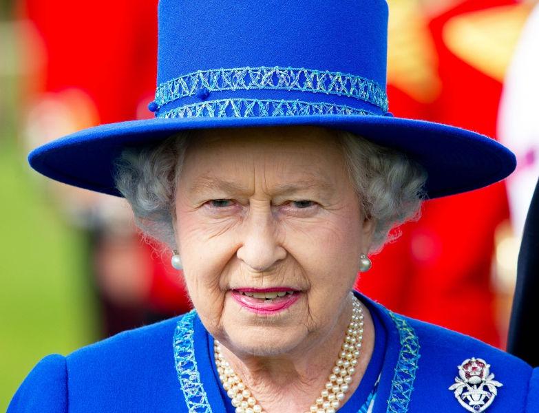 Ложный твит о болезни Елизаветы II появился из-за репетиции ее смерти // Global Look Press
