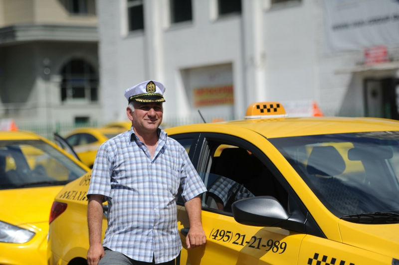 Количество легальных такси в Москве увеличится уже к концу 2015 года // Anton Belitsky/Russian Look