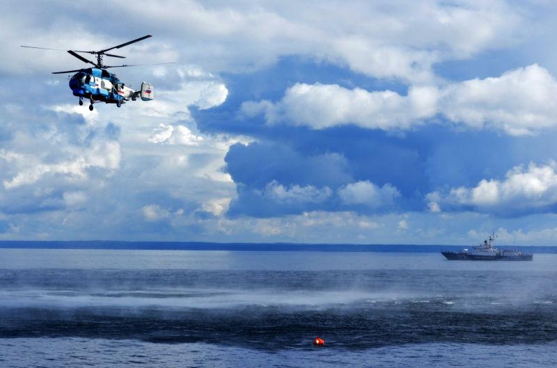 56 человек погибли в результате крушения траулера в Охотском море // Global Look Press